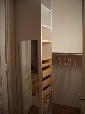 begehbarer schrank apartment ober st veit. Black Bedroom Furniture Sets. Home Design Ideas