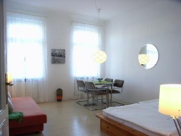 Haus Max Studio Apartment